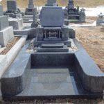 【八甲田霊園】お墓の雪囲いを外してきました。
