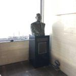 青森県農協会館にて、胸像の台石移動工事の下見をしてきました